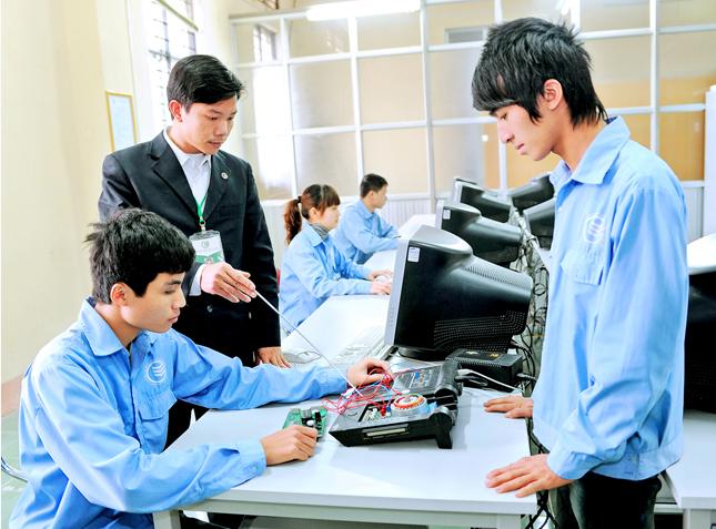 Hướng nghiệp, dạy nghề: Công việc của toàn xã hội