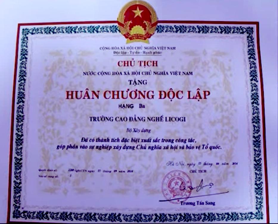 truong-cao-dang-nghe-licogi-dat-huan-chuong-hang-3